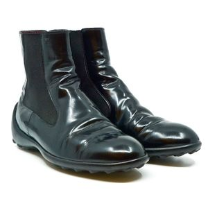 TOD'S~glossy leather~CHELSEA ANKLE BOOTS~BLACK